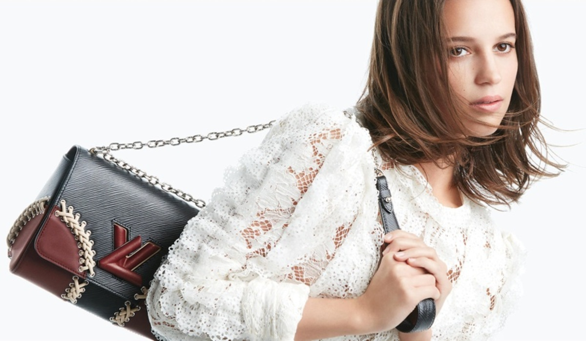 Алисия Викандер снялась в рекламе сумок Louis Vuitton Twist