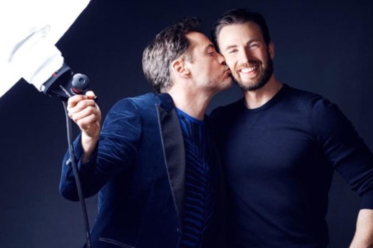 Роберт Дауни-младший и Крис Эванс демонстрируют дружеские поцелуи для People