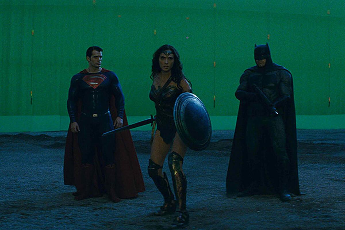 «Закулисье» «Бэтмен против Супермена»: как выглядят кадры фильма до и после спецэффектов