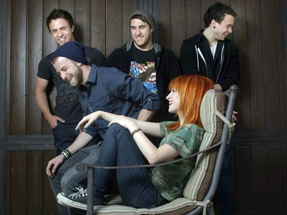 Новый видеоклип от группы Paramore - Careful