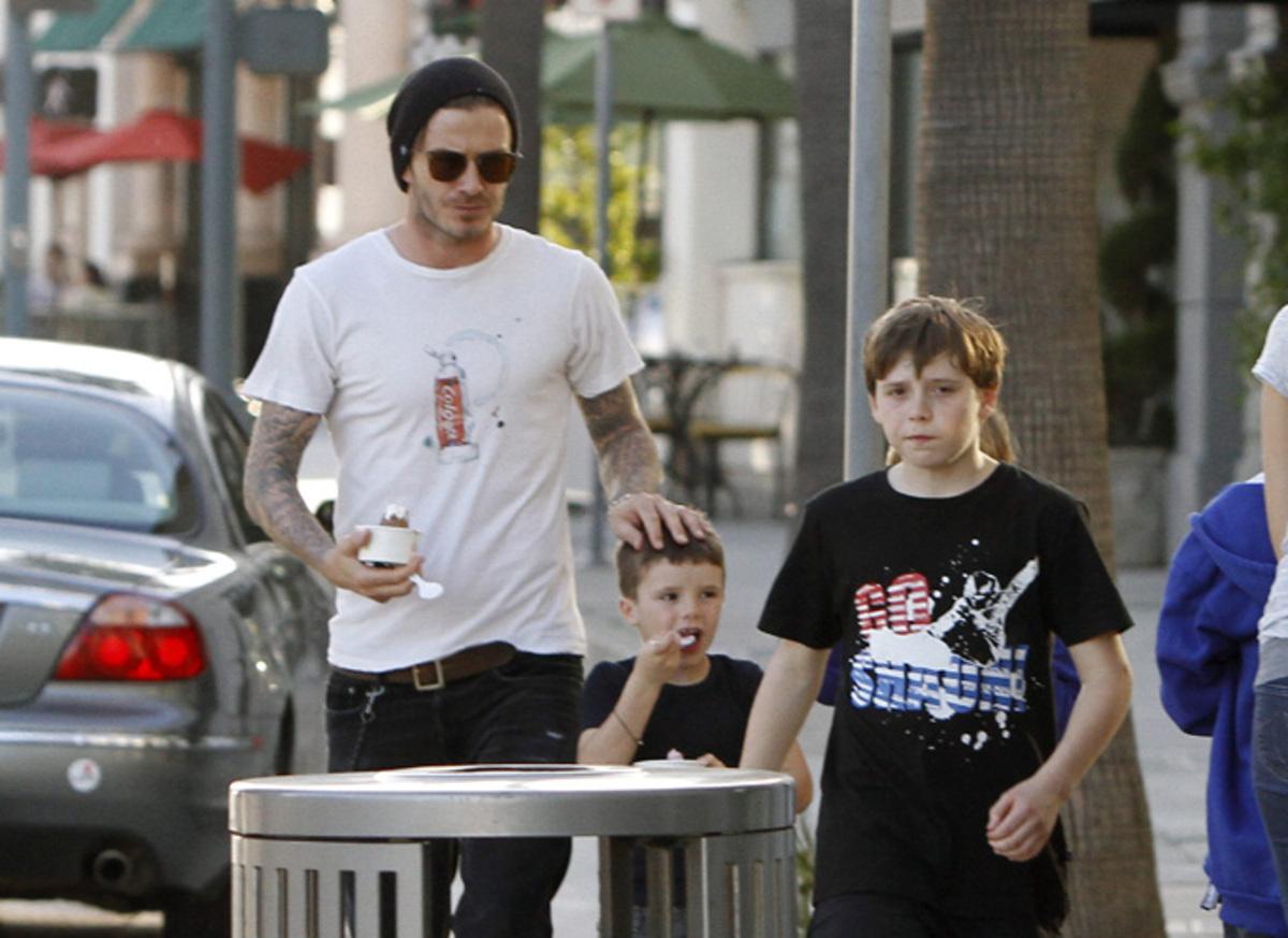 Дэвид Бэкхем с сыновьями в Беверли-Хиллз