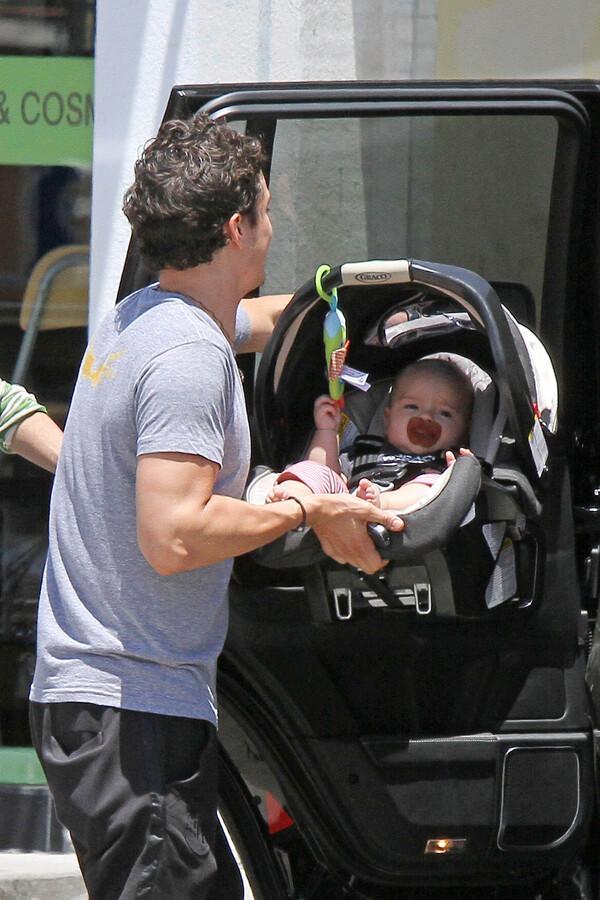 Орландо Блум и Миранда Керр в Западном Голливуде
