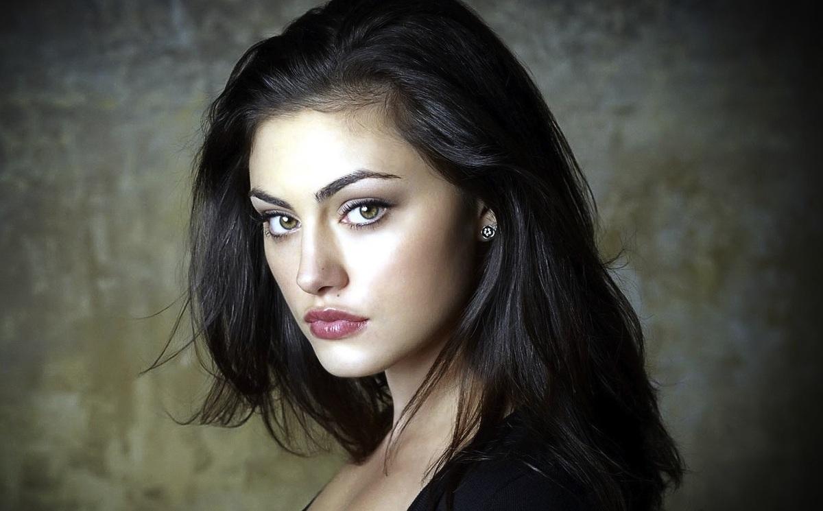 Фиби Тонкин присоединилась к актерскому составу сериала «Любовники»
