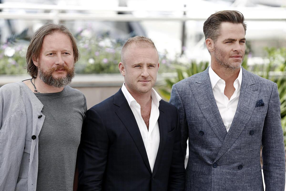 Крис Пайн и Бен Фостер на премьере фильма «Любой ценой» в Каннах