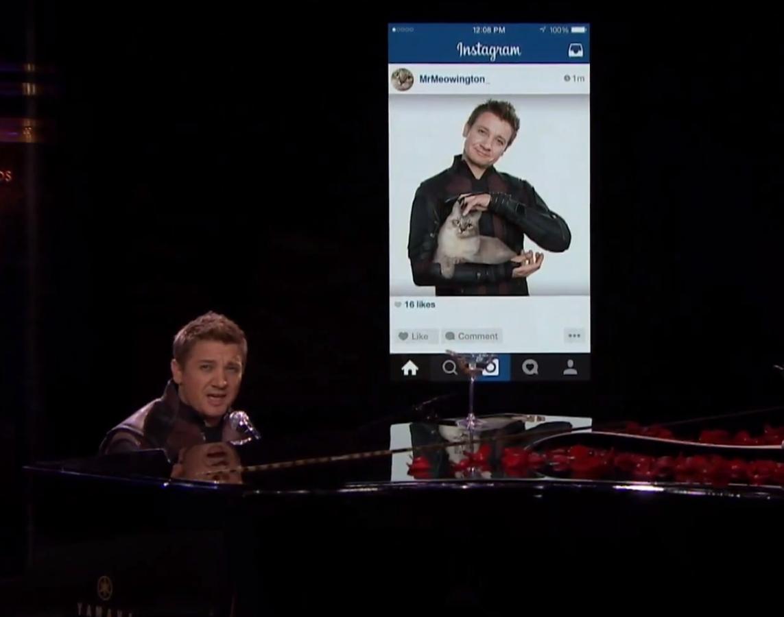 Видео: Джереми Реннер перепел хит Эда Ширана Thinking Out Loud