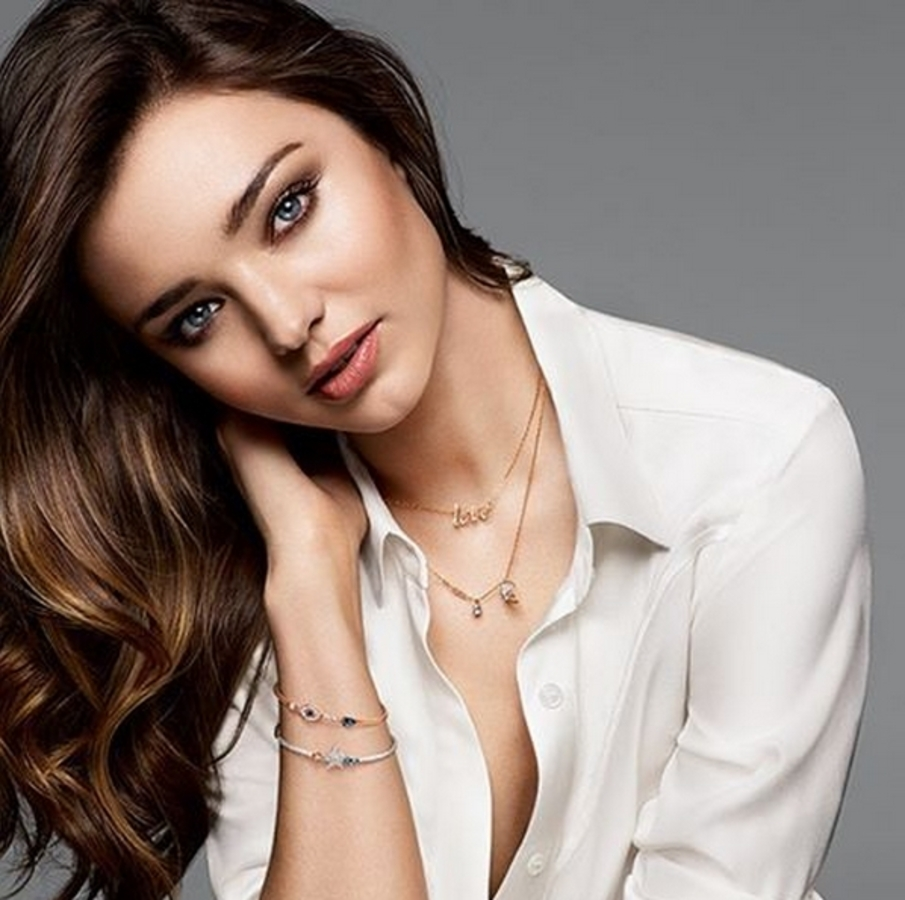 Миранда Керр снялась в рекламном ролике Swarovski