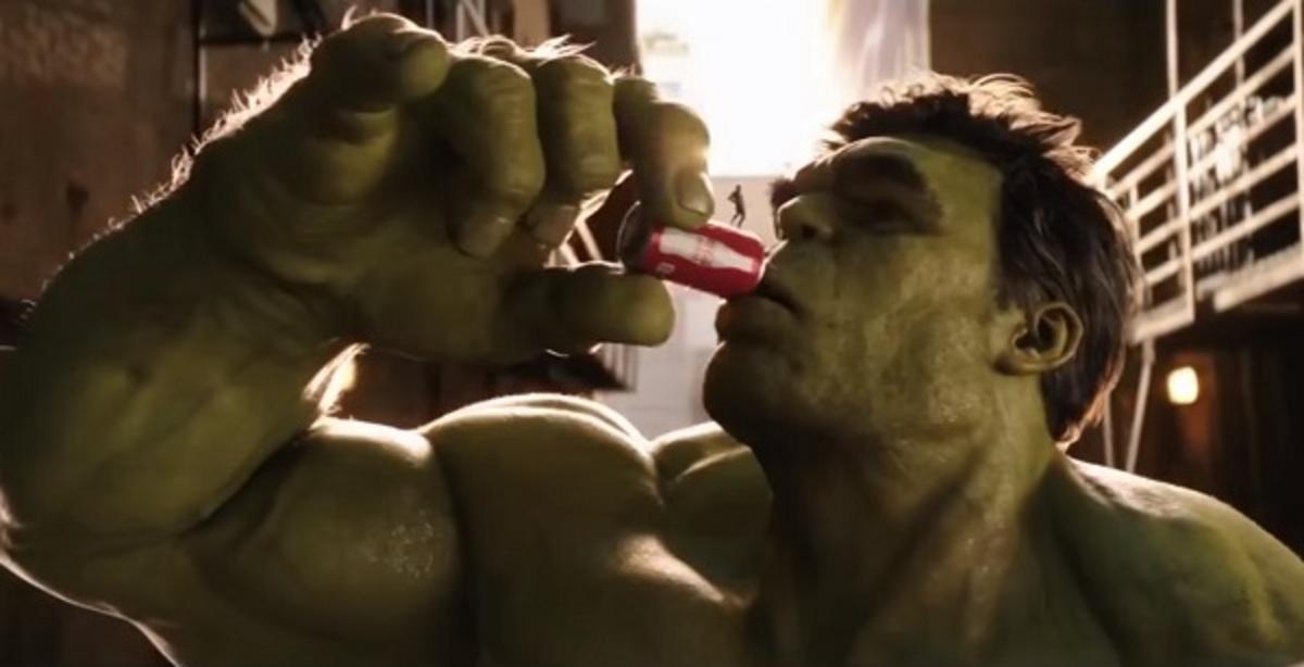 Видео: Халк и Человек-Муравей подрались за банку газировки