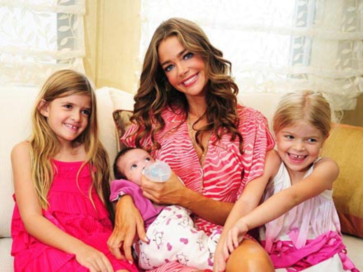 Дениз Ричардс с дочерьми в журнале People