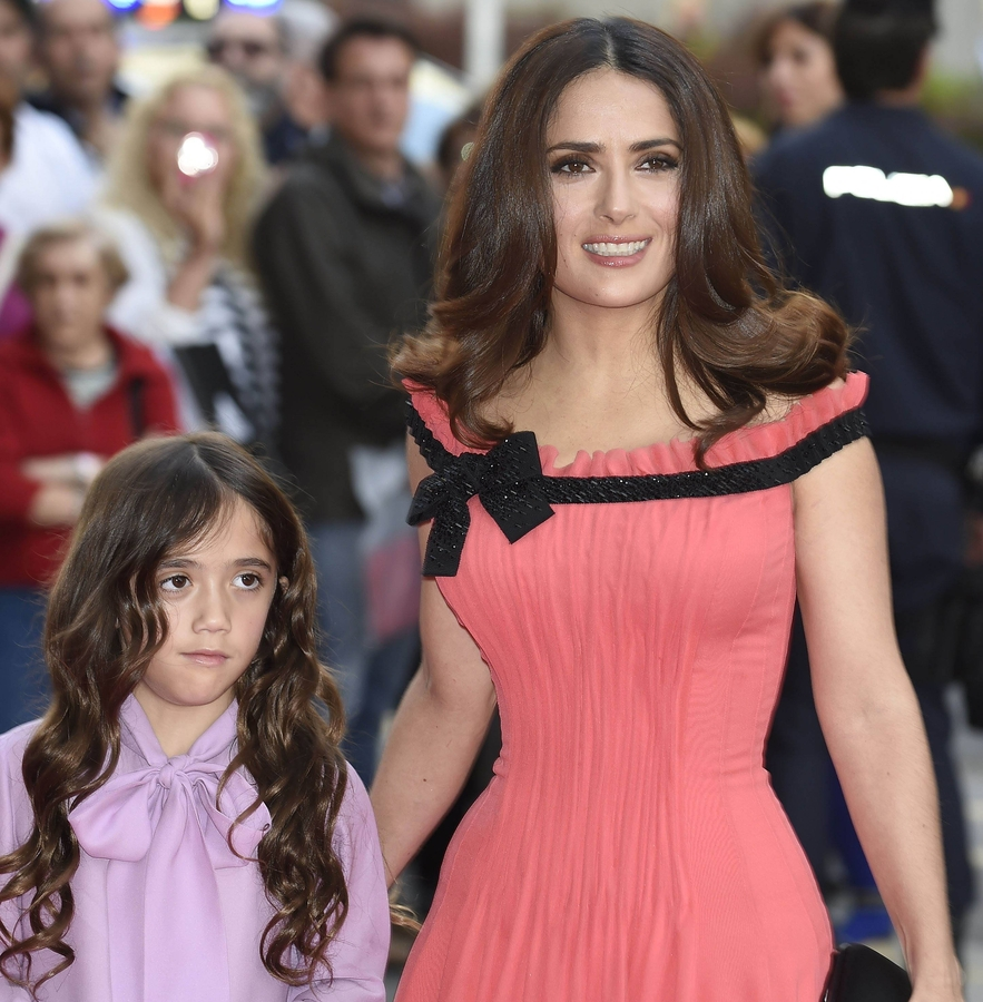 Сальма Хайек получила послания с угрозами ее дочери