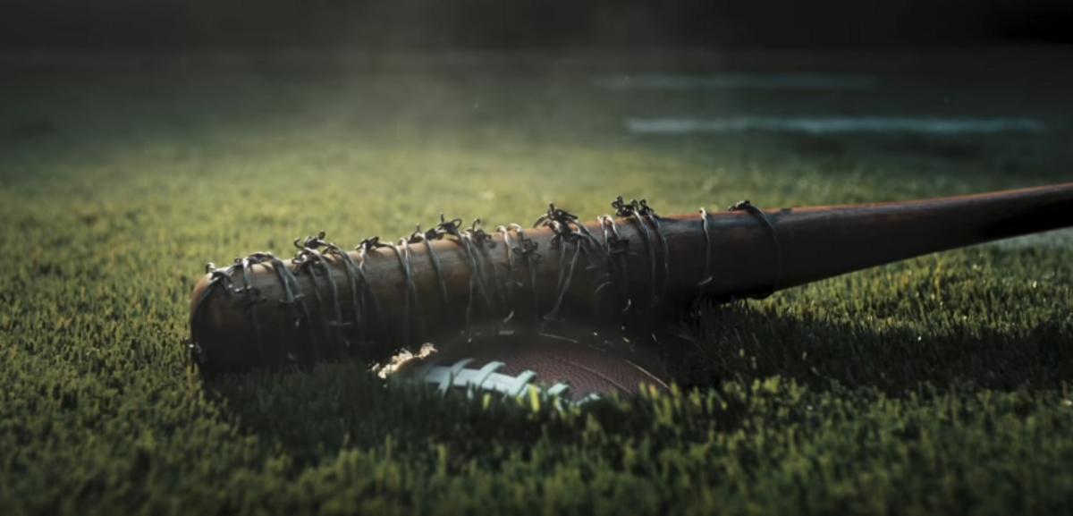 Видео: «Ходячие мертвецы» поиздевались над Супербоулом-2017
