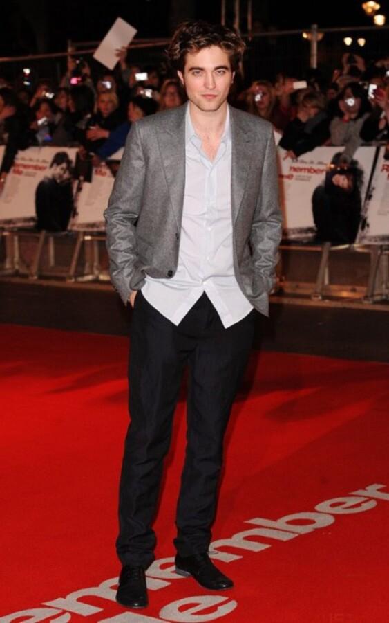 Почему Роберт Паттинсон не годится на роль Джеймса Бонда