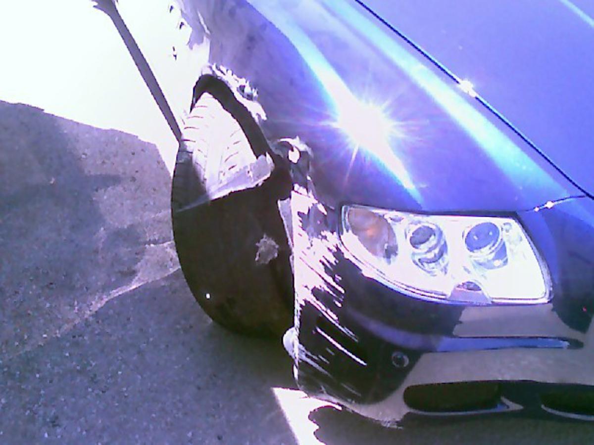 Мел Гибсон разбил свою дорогую машину