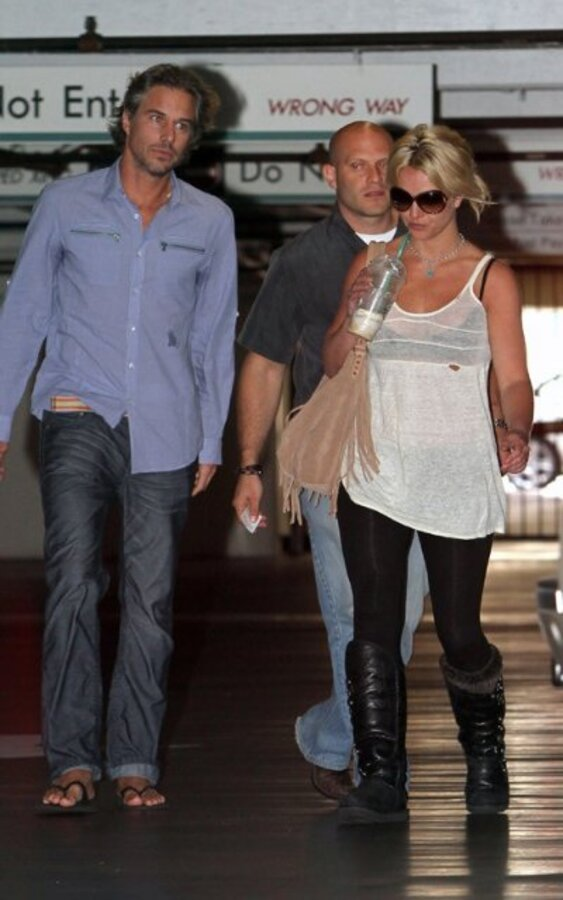 Отец Бритни Спирс не расстраивал отношения дочери с Джейсоном Траувиком