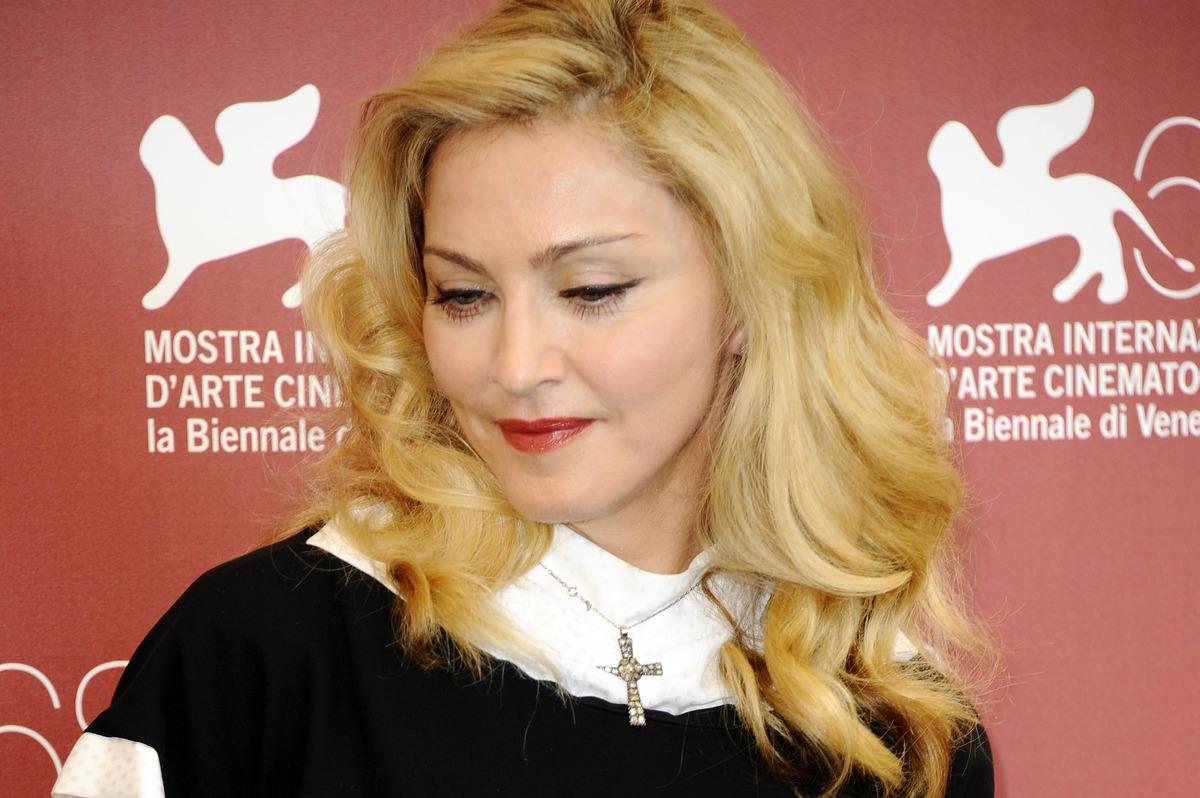 Мадонна выпустит новый альбом в 2012 году