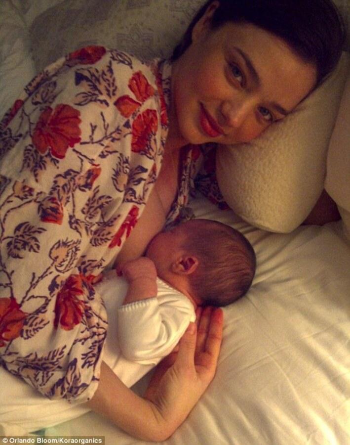 Миранда Керр с новорожденным сыном Флинном