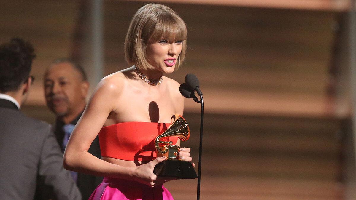 Тейлор Свифт возглавила рейтинг самых богатых молодых звезд
