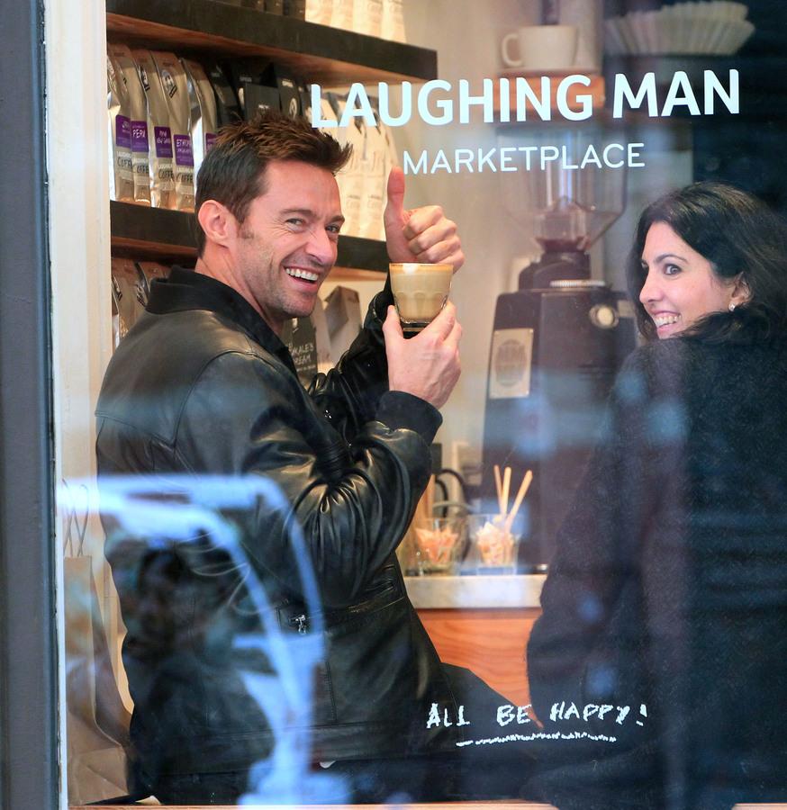 Хью Джекман на открытии своего кафе Laughing Man Coffee & Tea