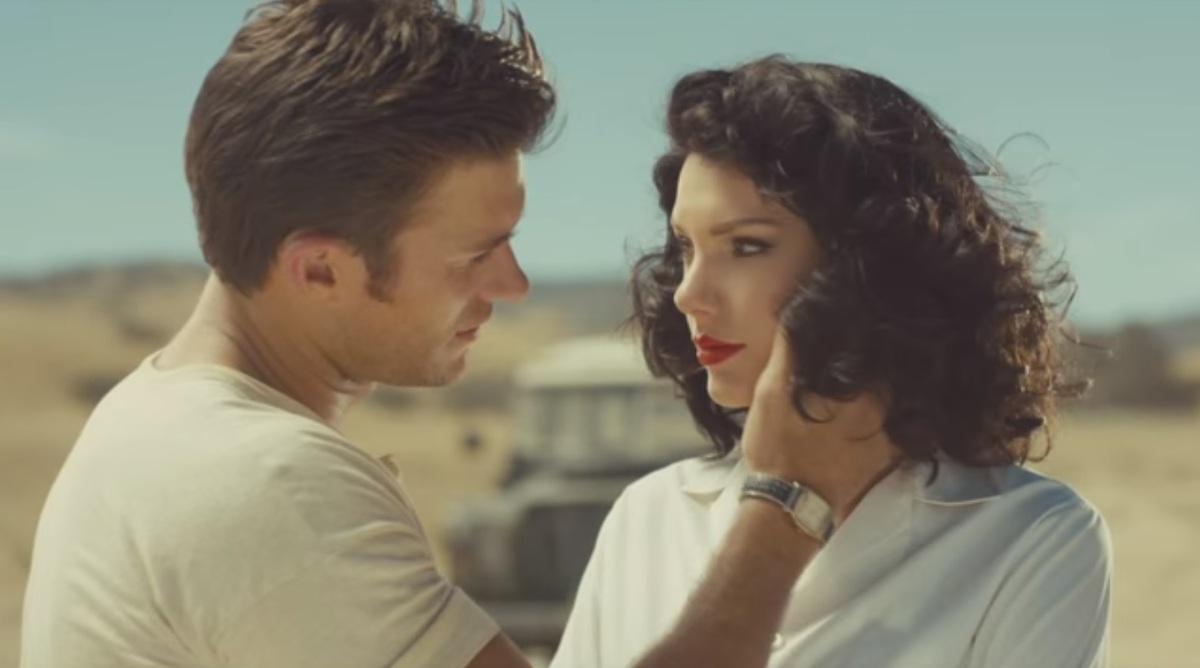 Скотт Иствуд назвал Тейлор Свифт «образцом» для девушек