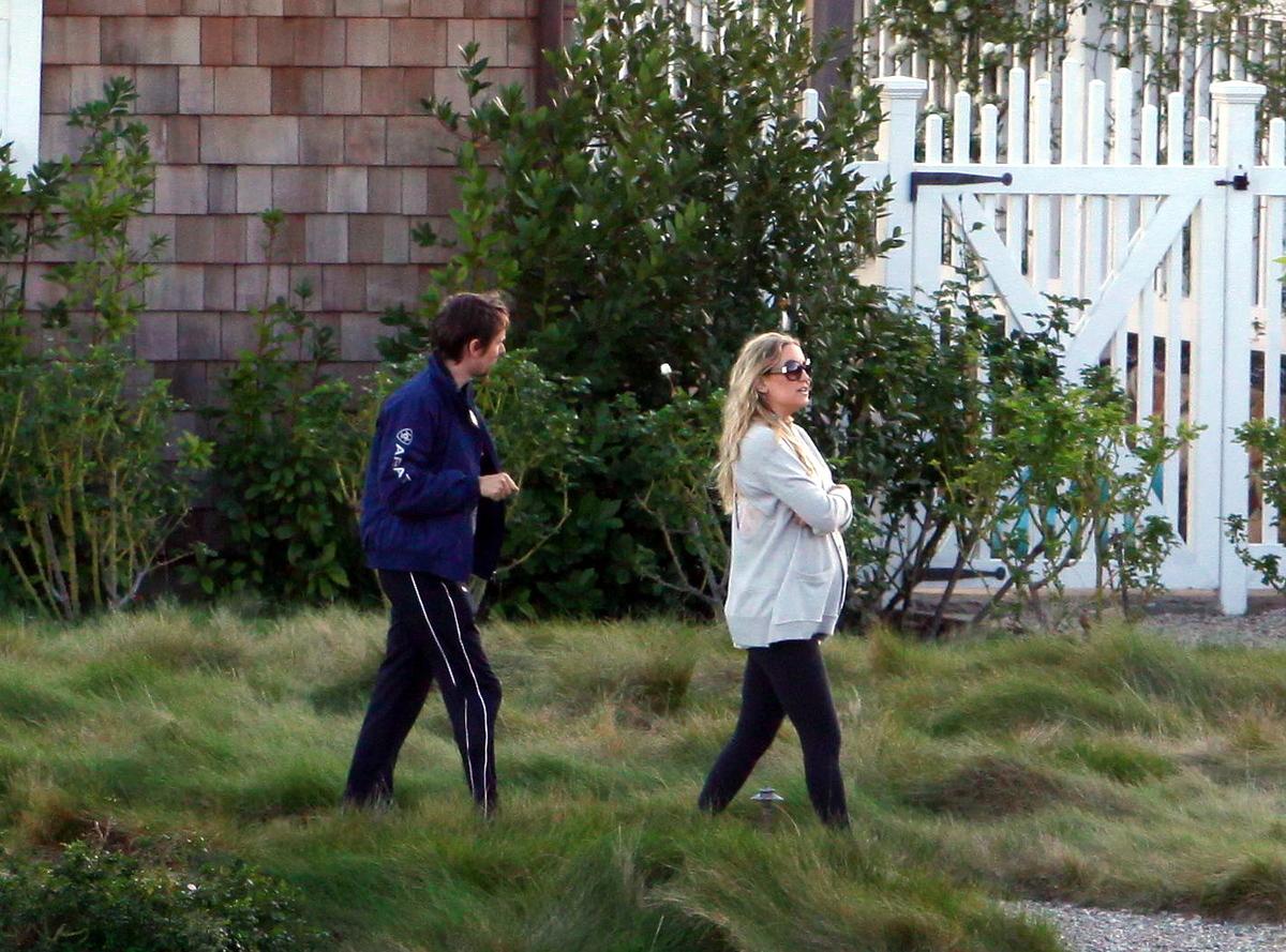 Кейт Хадсон и Мэттью Беллами в поисках дома мечты