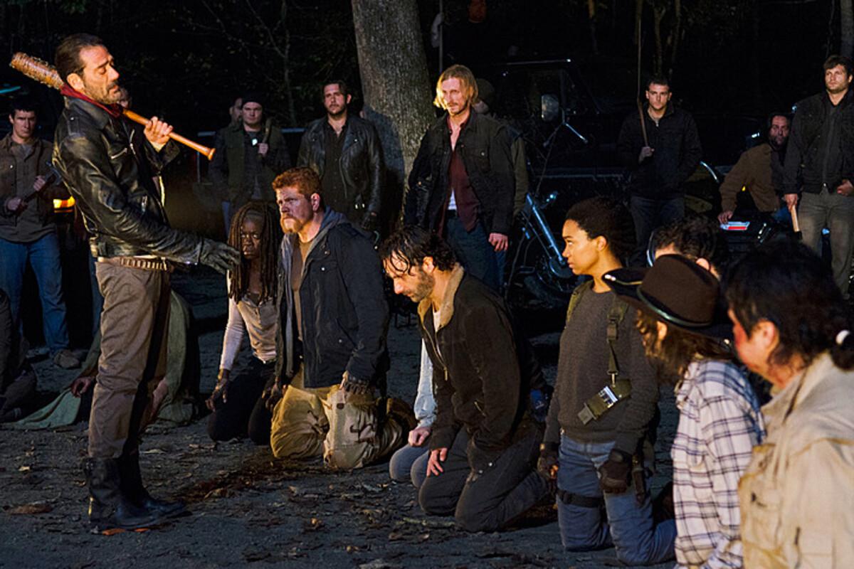 К 7 сезону «Ходячих мертвецов» сняли смерти 11 персонажей, чтобы скрыть, кого убил Ниган
