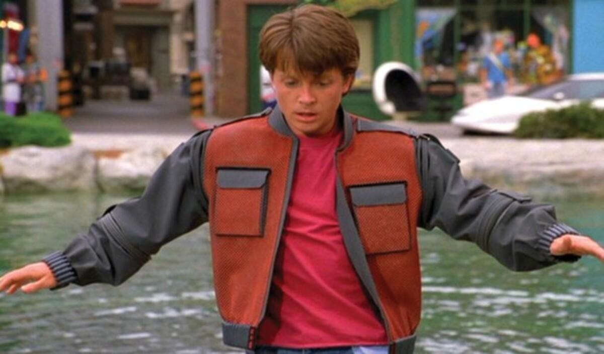 Одежда Марти МакФлая уйдет с молотка. Трейлер фильма в честь выхода DVD.