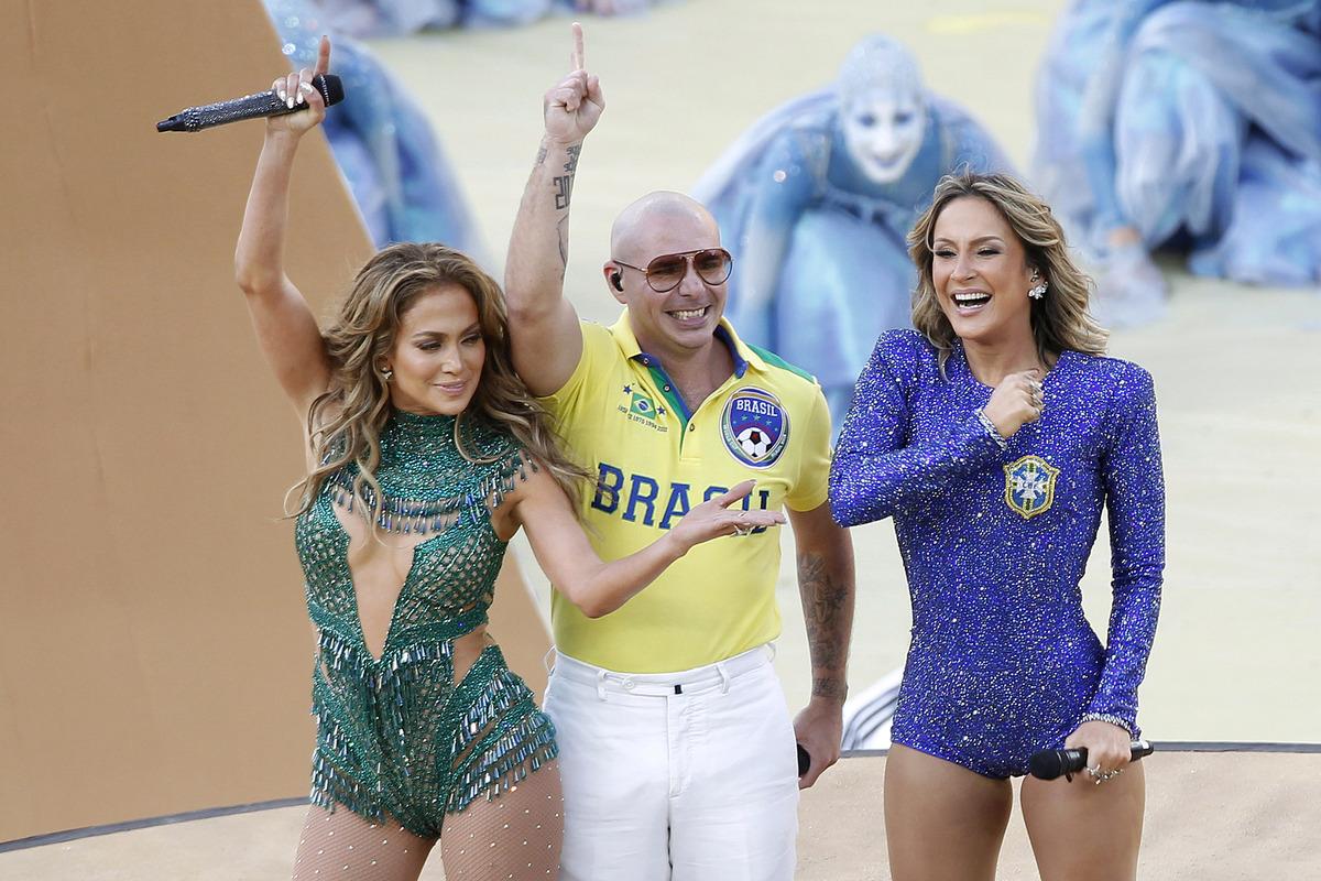 Дженннифер Лопес,  Pitbull и Клаудия Лейте выступили на открытии чемпионата мира по футболу