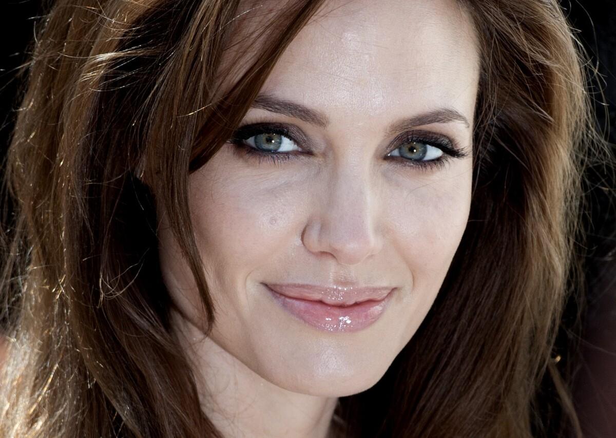 Самые высокооплачиваемые актрисы по версии журнала Forbes