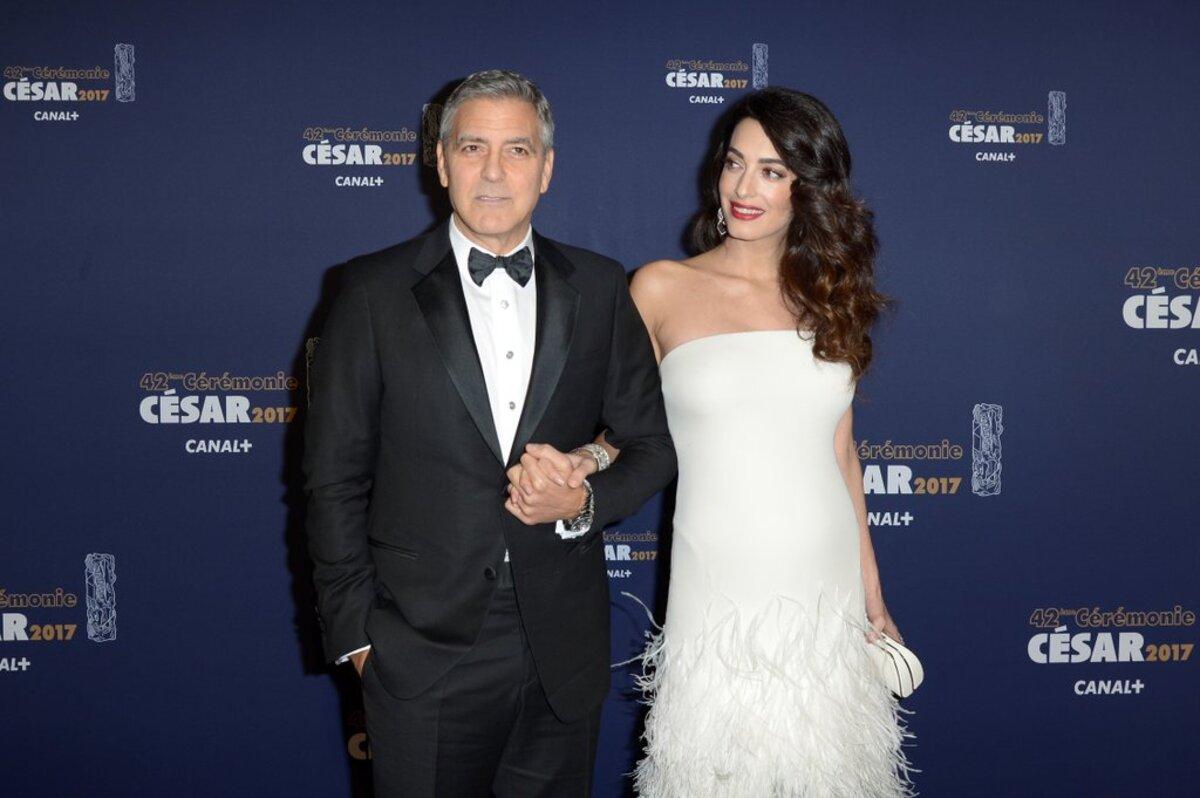 Амаль Клуни обвиняют в фальсификации беременности