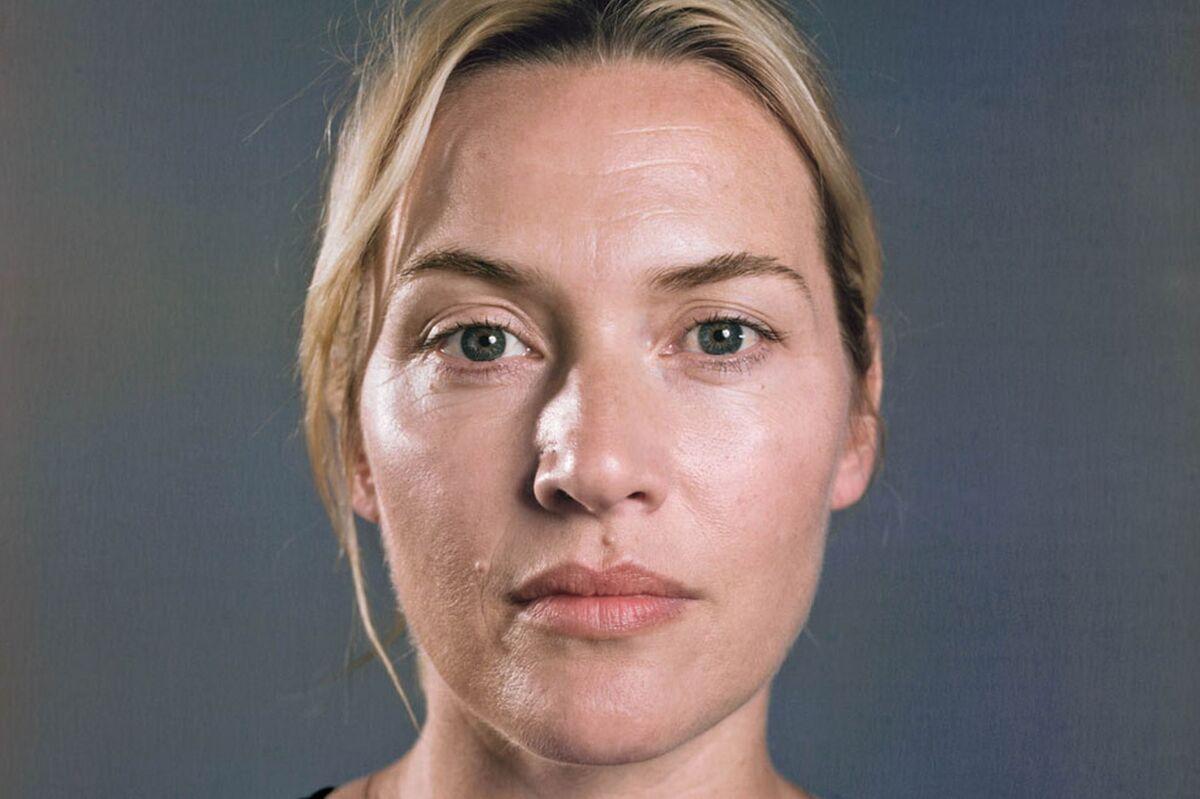 Кейт Уинслет поделилась «вдохновляющим» селфи без макияжа