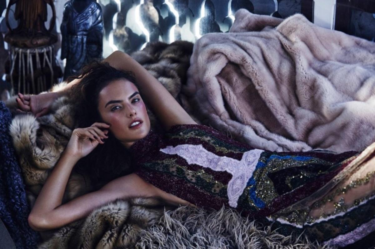 Алессандра Амбросио в журнале Harper's Bazaar Казахстан. Декабрь 2015