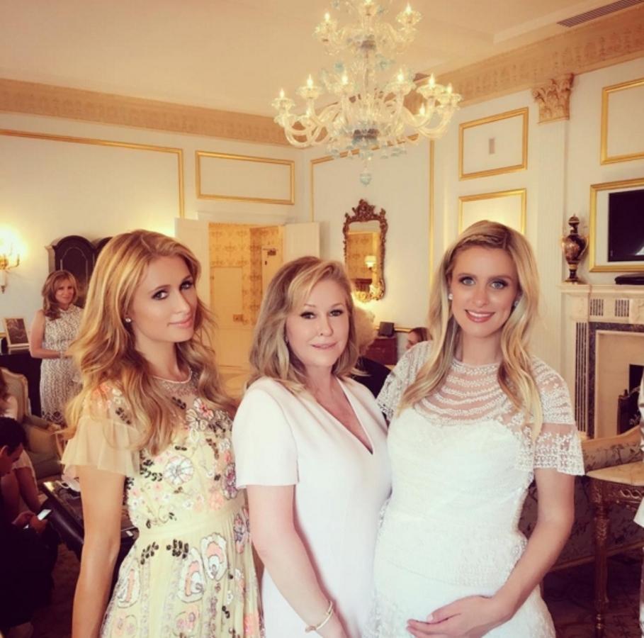 Ники Хилтон устроила вечеринку в честь будущего малыша