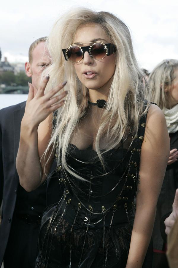 Эпатажная Lady GaGa в Лондоне