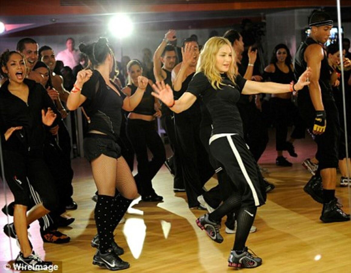 Мадонна откроет два фитнес-клуба в России