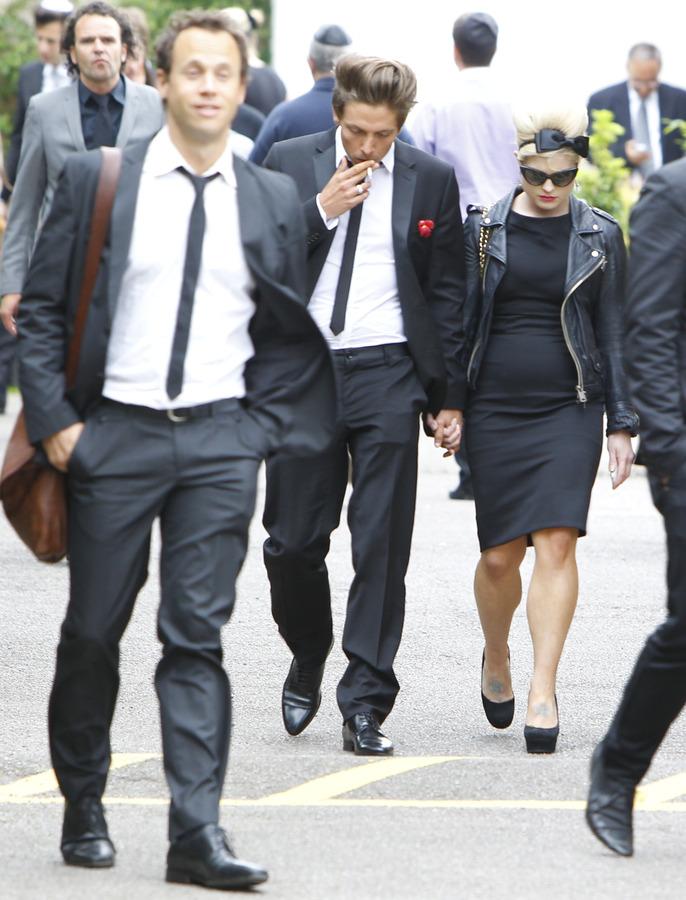 Похороны Эми Вайнхаус