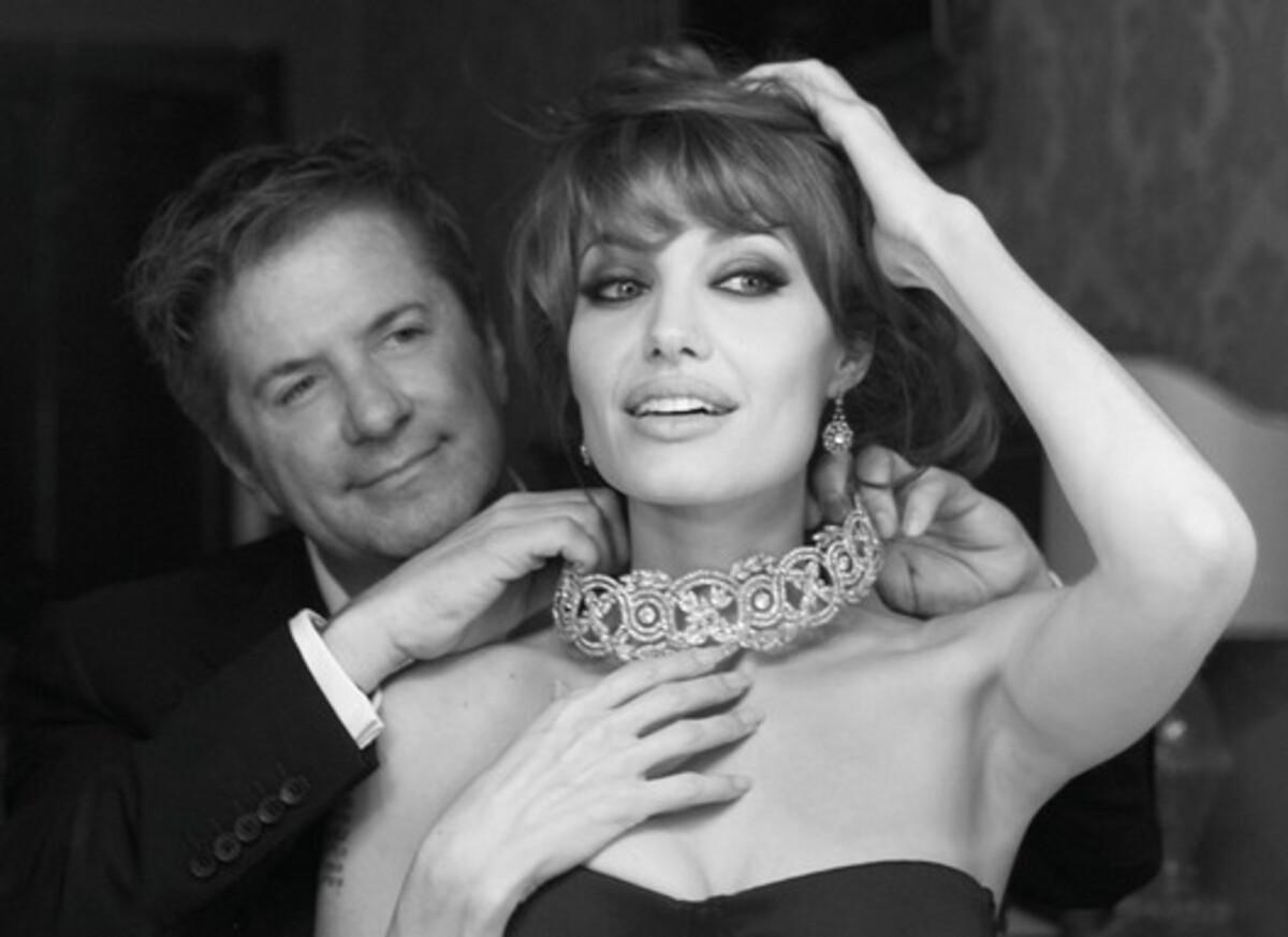 Видео: коллекция украшений от Анджелины Джоли