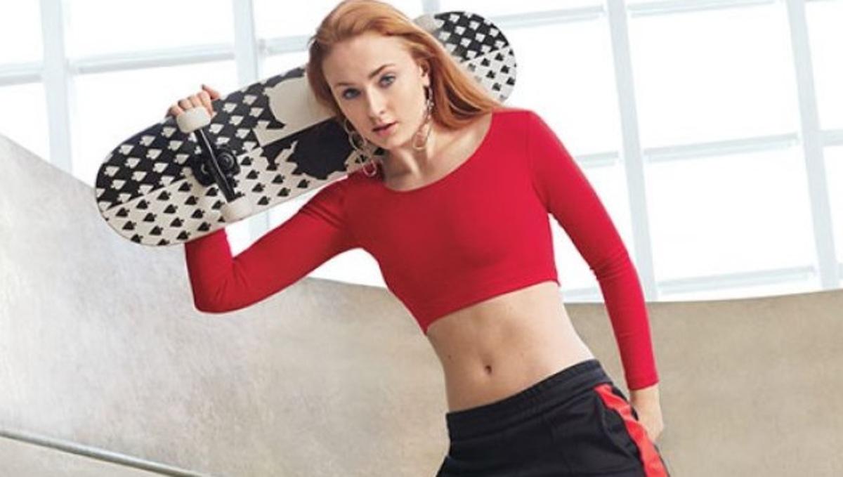Софи Тернер показала спортивную фигуру в фотосессии для Self (июнь 2016)