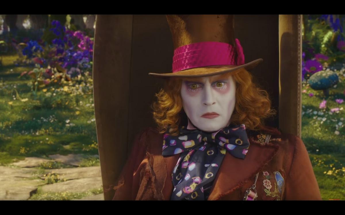 В Сети появился финальный дублированный трейлер фильма «Алиса в Зазеркалье»