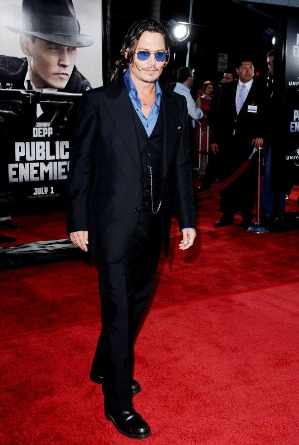 Джонни Деппа спасли от собаки Брэда Питт и Анджелины Джоли
