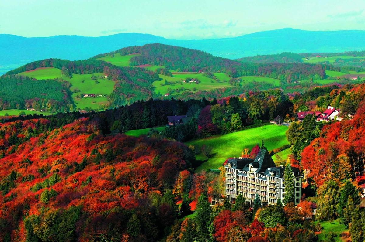 Фото новой квартиры Евы Лонгории и Тони Паркера в Швейцарии