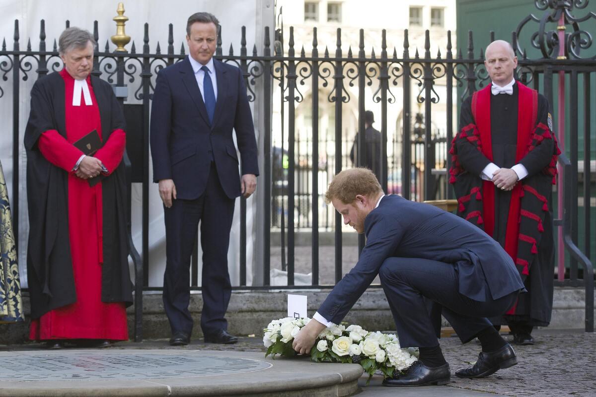 Принц Гарри на мероприятии в память жертв теракта в Тунисе