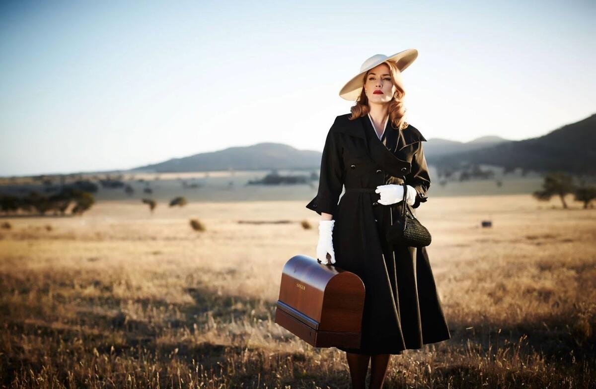 Кейт Уинслет и Лиам Хемсворт в дублированном трейлере фильма «Месть от кутюр»