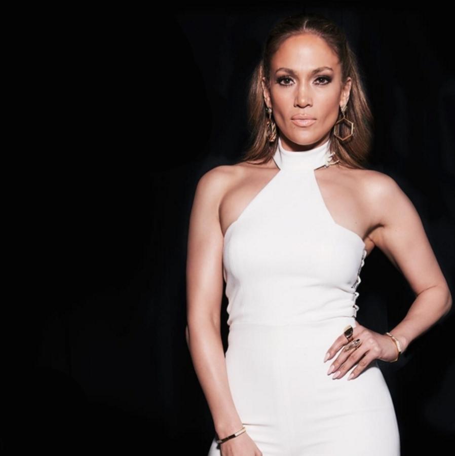 Дженнифер Лопес представила тизер новой песни I Ain't Your Mama