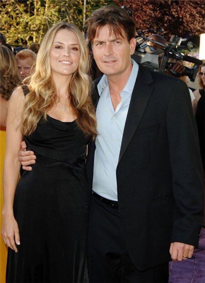 Чарли Шин и Брук Мюллер официально разведены