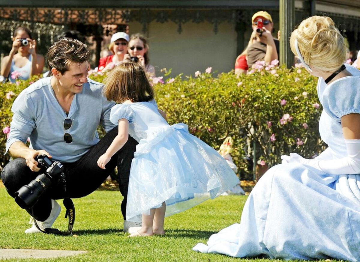 Том Круз позволяет своей дочери найти свой стиль в одежде