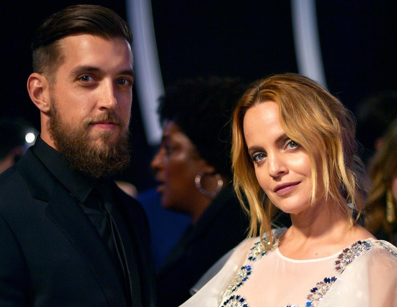 Звезда «Американского пирога» Мина Сувари тайно вышла замуж в третий раз