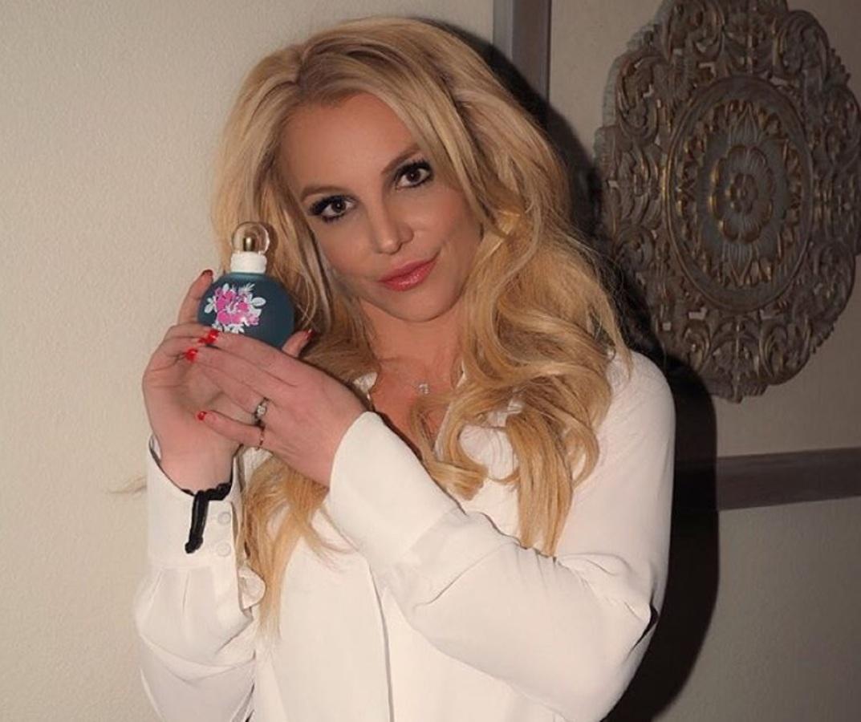 Бритни Спирс анонсировала новый аромат Maui Fantasy