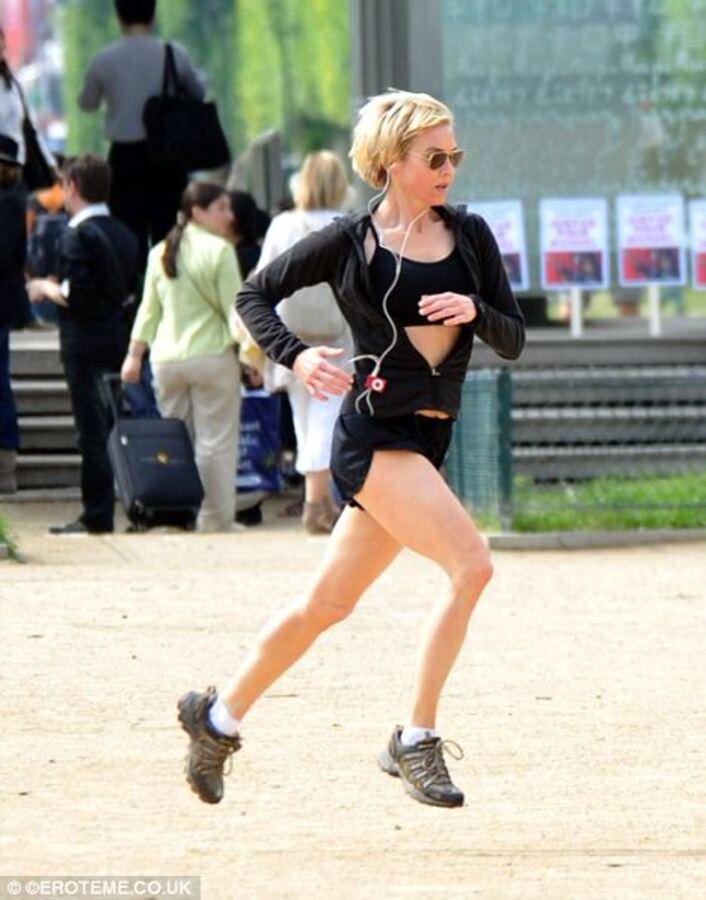 Рене Зеллвегер: забег по Парижу