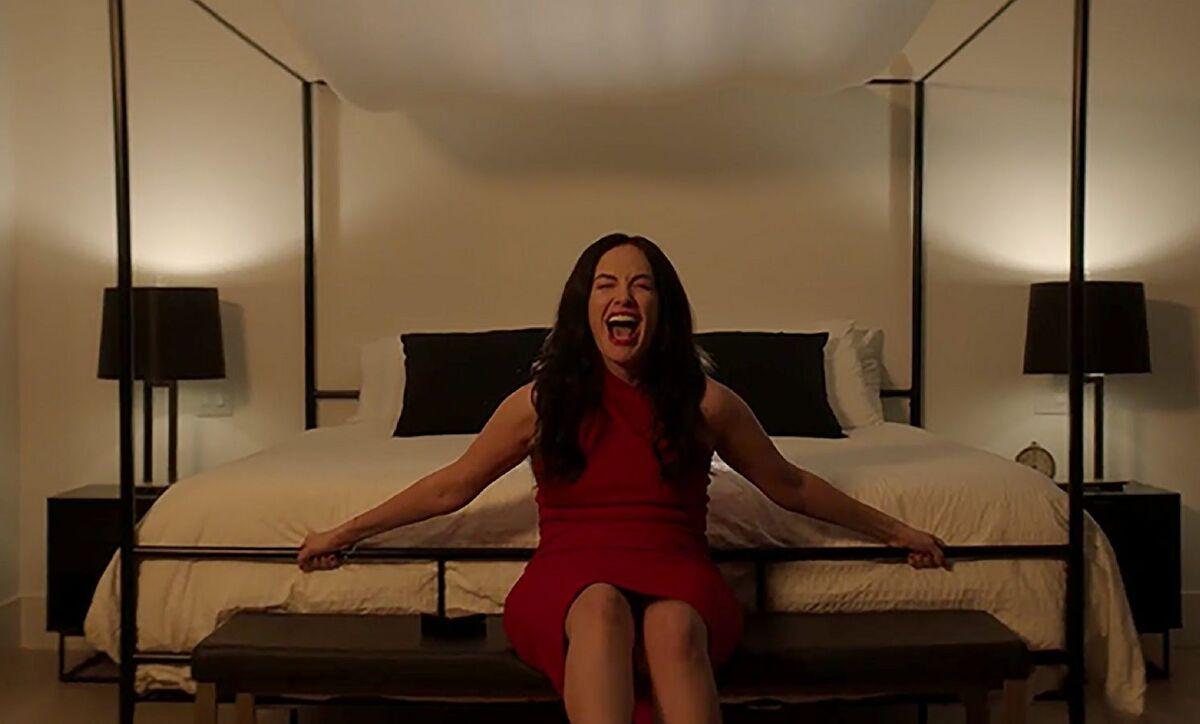 Спать опасно: Netflix выпустил трейлер хоррора «Под гипнозом»