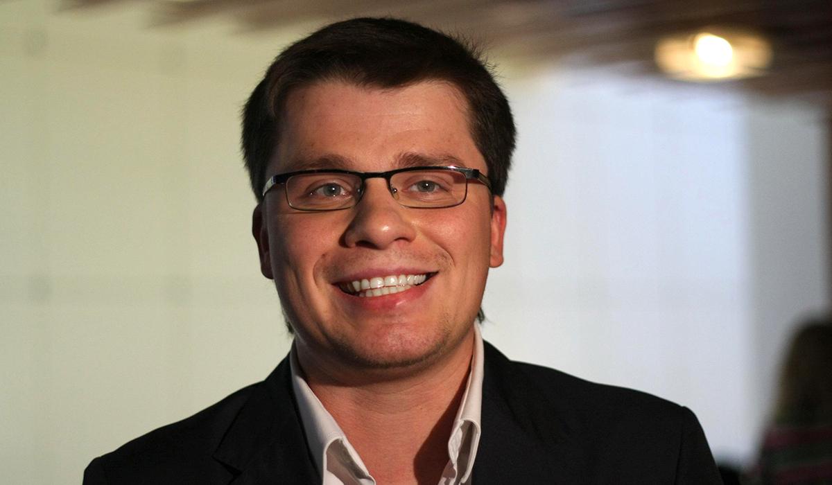 Харламов повеселил «тощими» звездами: «Худой Киркоров похож на Бузову»
