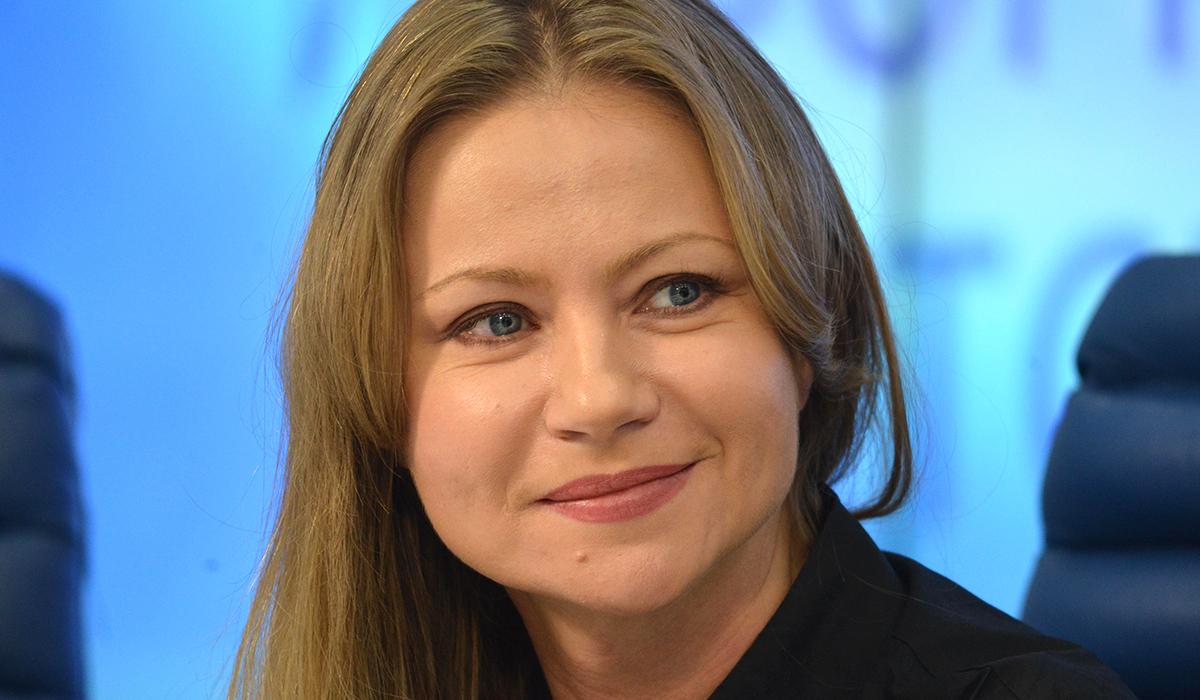 «Бабушкин вариант»: 47-летнюю Марию Миронову раскритиковали за новый образ